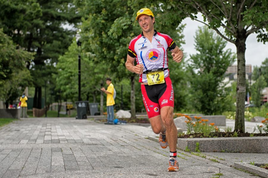A runner competes in Sunday's Stamford KIC IT Triathlon. (Photo: Ron Hiner).